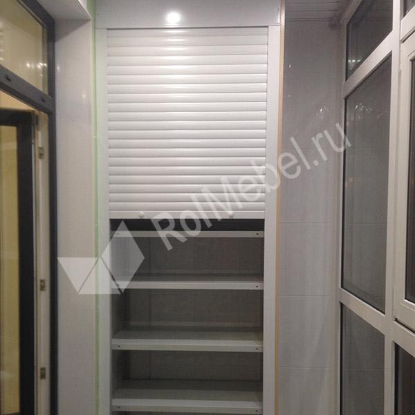Шкаф на балкон и лоджию c роллетами.